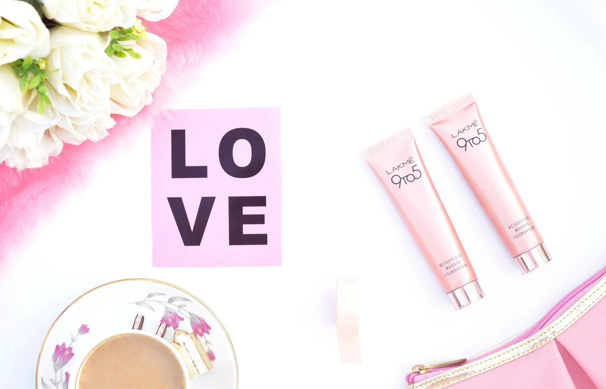 Go Weightless with Lakme 9 to 5 Weightless Mousse Foundation!