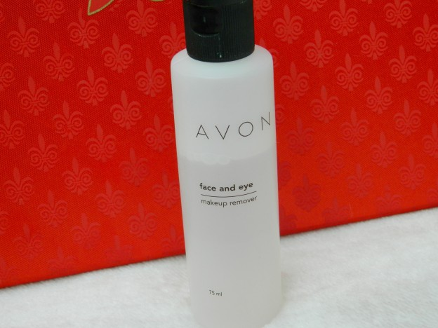 Avon Face and Eye Makeup Remover Review